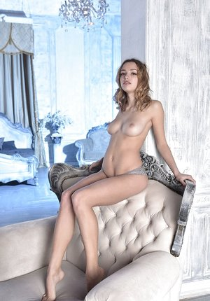 Erotic sweetie Maxa undressing to spread naked showing perfect petite ass